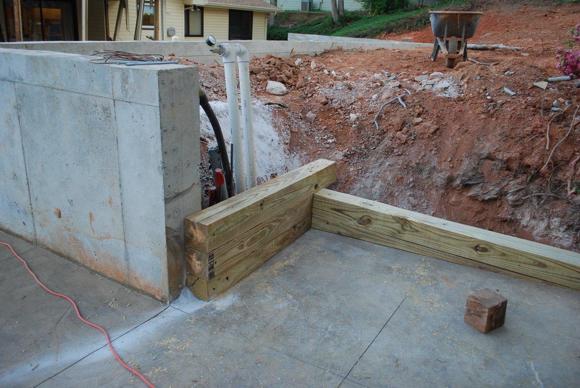 retaining wall wood beams